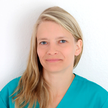 Veterinary Assistant Sarah Hasselfeld, Pet Clinic Leipzig Wahren